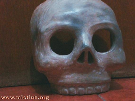 La máscara de Mictli